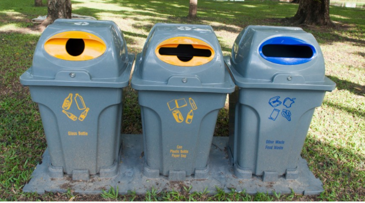 Outdoor recycling bin system