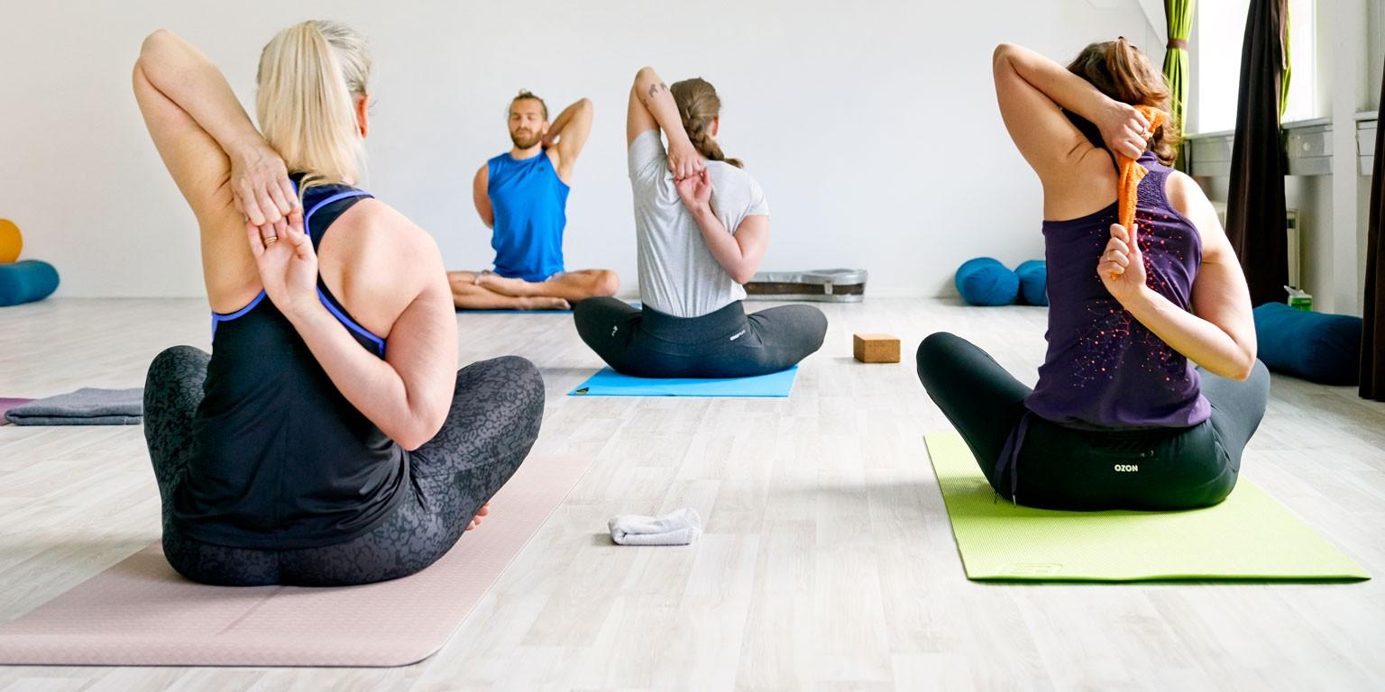 yoga lærer dating student
