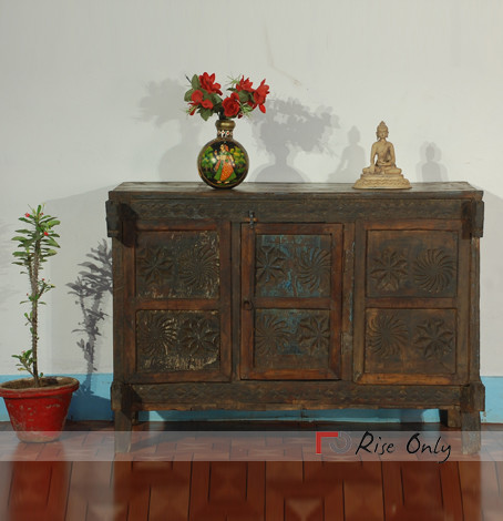 There is a big trend of Antique furniture and Vintage furniture these days.  Any item which is not quite old enough to be taken as old item but at ... - Antique Furniture Online Lalit Jangid Pulse LinkedIn