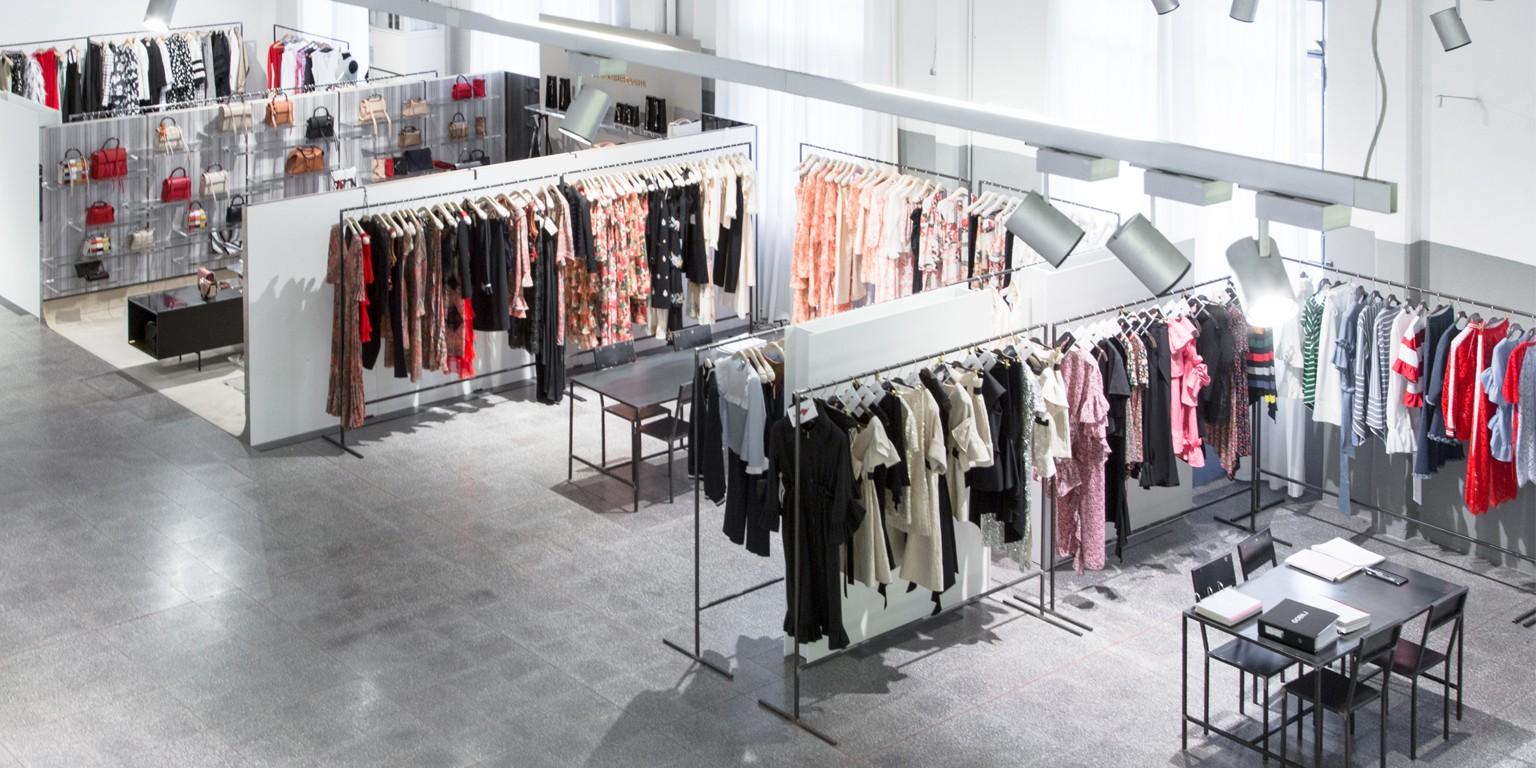 low priced d78c9 ef05d Riccardo Grassi Showroom | LinkedIn