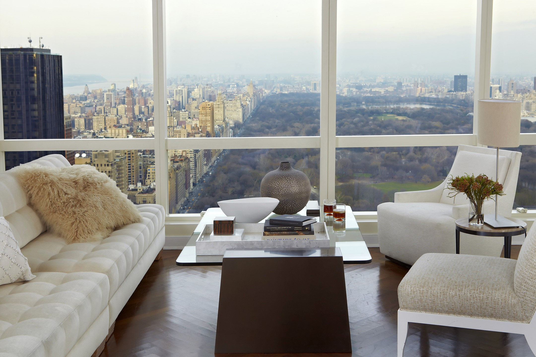 Jarret Yoshida Design living room with nyc view