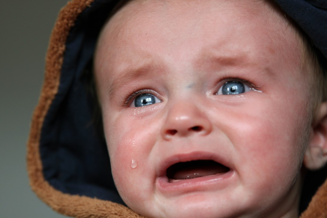 Pequenino chorando