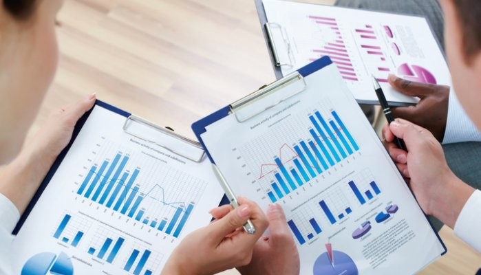 Kick Start Your Career With Financial Analyst Certification | Naveen ...
